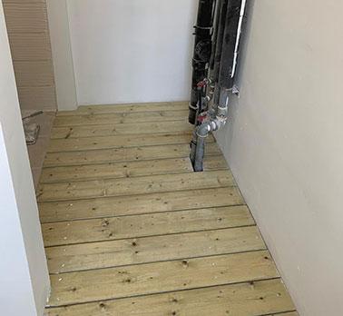 הרחבה של מרפסת שירות עם בניית דק - הנדימן יכול הכל