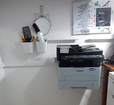 סידור כבלים במשרד הביתי. לפני ואחרי